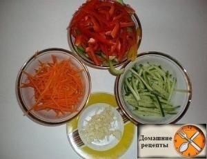 """Салат """"Фунчоза"""" с овощами"""