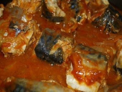 Рецепт скумбрии, тушеной с морковью и луком (2)