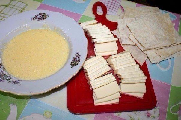 Лаваш жаренный с сыром