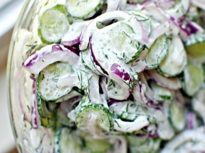 Огуречный салат с соусом 5