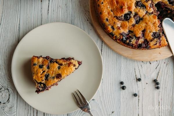 Йогуртовый пирог с ягодами 1