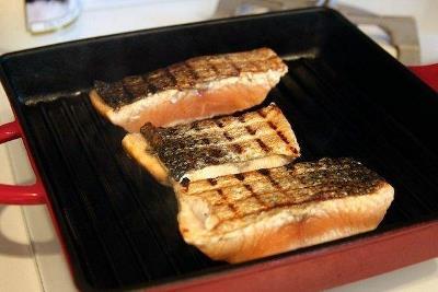 Жареный лосось с пряным маслом и лимоном 2