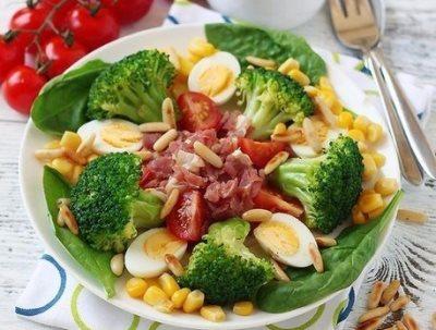 Легкий салат с брокколи